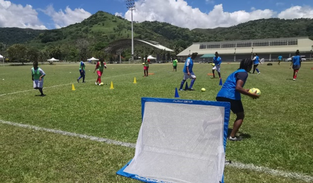POINDIMIE recevait le Festival samedi dernier, pour une belle demi-journée de football féminin sur la côte Est. Photo : FCF