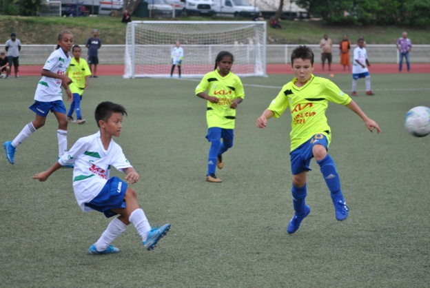 Les petits footeux et les petites footeuses de Calédonie ont pu s'éclater sur le synthétique du Stade Boéwa, ce samedi 5 juin. Crédit Photo : Kia Kids Cup.