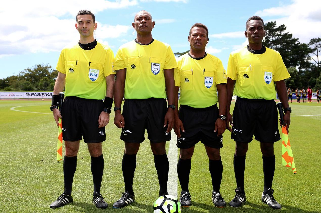 Photo OFC : Bertrand Brial – à gauche – sera de la partie à la Coupe du Monde de la FIFA en Russie.
