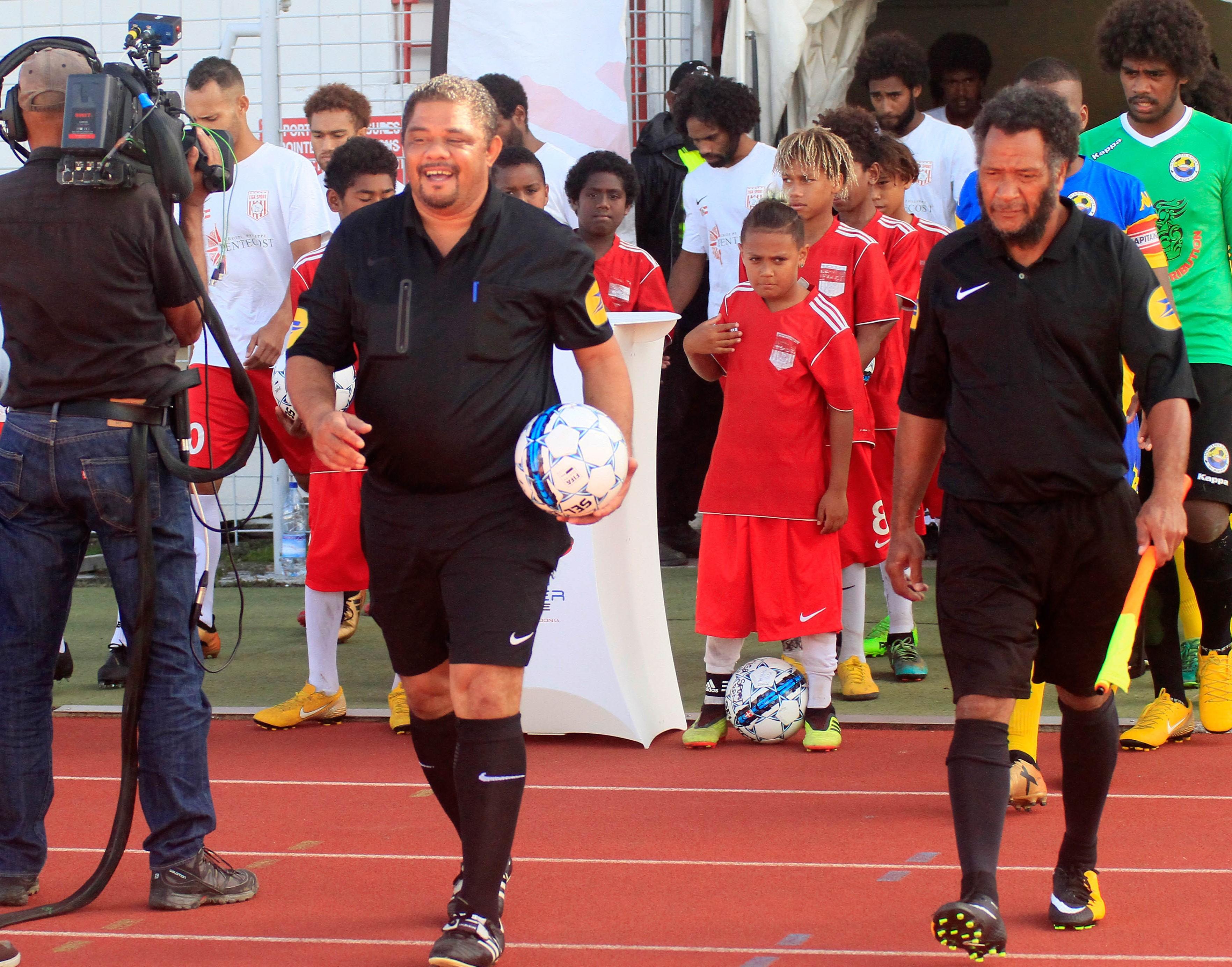 """"""" Vous aussi devenez ARBITRES de football """" / Saison 2020 - ARBITRAGE"""