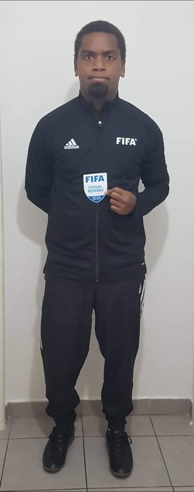 Nos ARBITRES FIFA ont reçu leurs tenues officielles / FCF