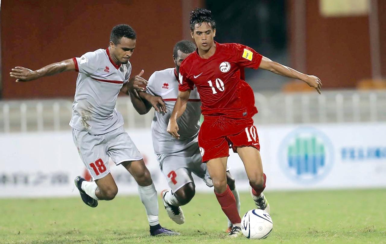 Emile BEARUNE et Joël WAKANUMUNE face aux tahitiens lors de la Coupe des Nations OFC 2016... On espère revoir ce type de duels en 2021 / Crédit Photo : OFC