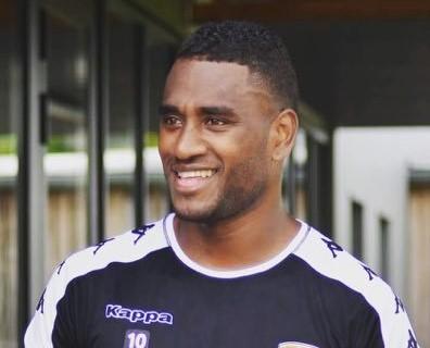 César ZEOULA avec le sourire... Une image qu'on espère revoir assez vite avec la Sélection A de Nouvelle-Calédonie / Photo : site du Stade Lavallois