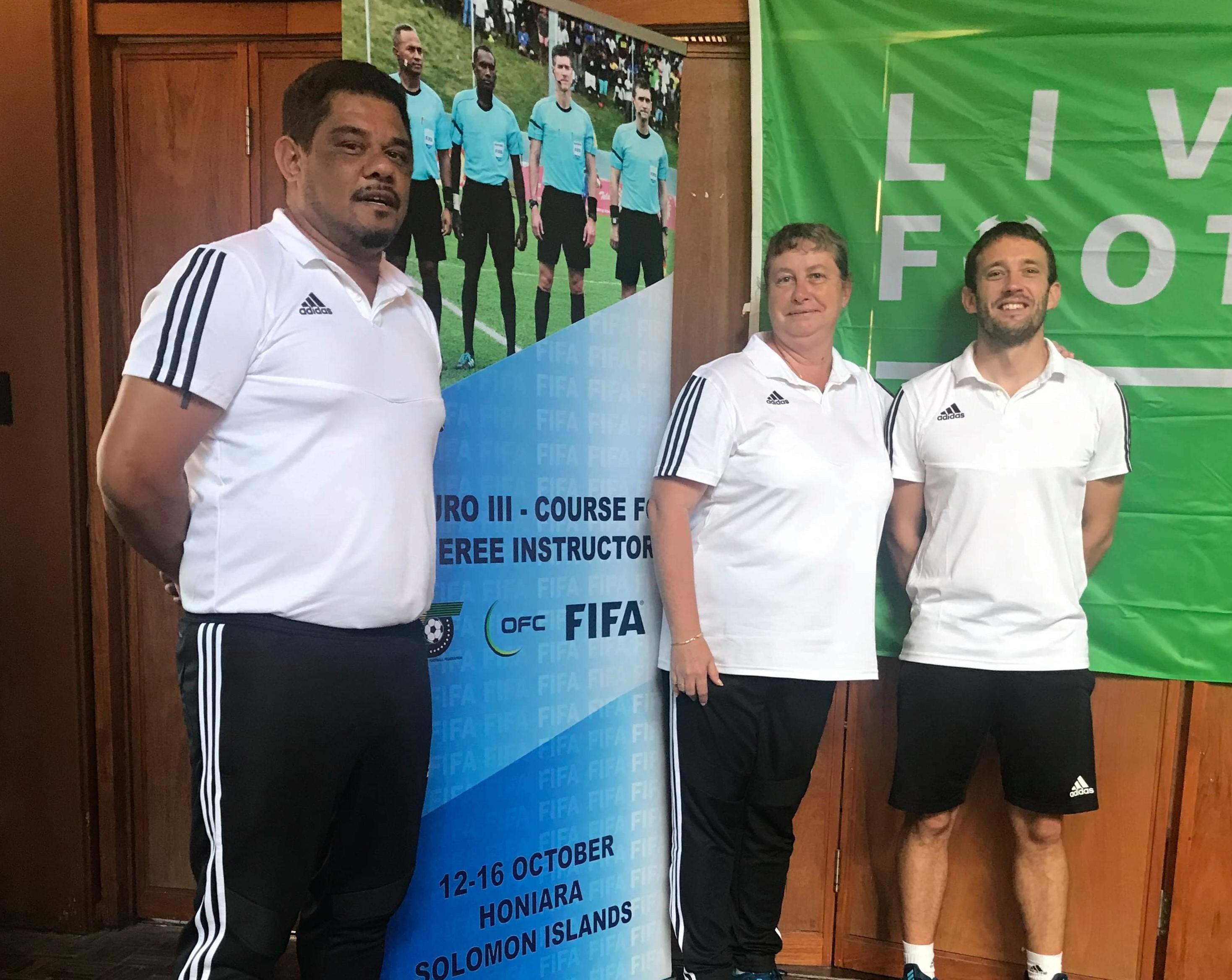 Marius Gaïcoin, Jacqueline Santino, et Médéric Lacour, ici lors d'une formation FIFA FUTURO III à Honiara, en 2019