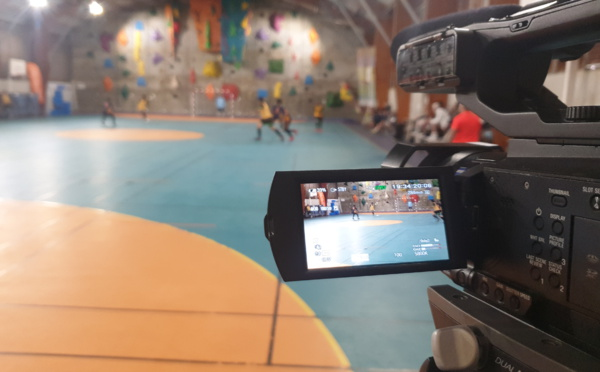 CALEDOFOOT n°8 : Les Assises du Foot cagou à Maré + Futsal (clubs de l'Université et Païta) / VIDEO
